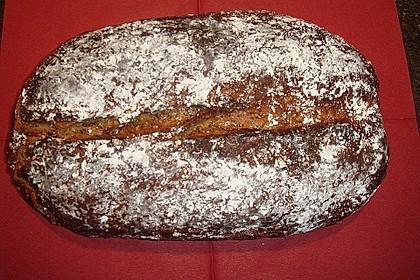 Roggen-Sauerteig-Mischbrot, gebacken im Brotbackautomaten 5