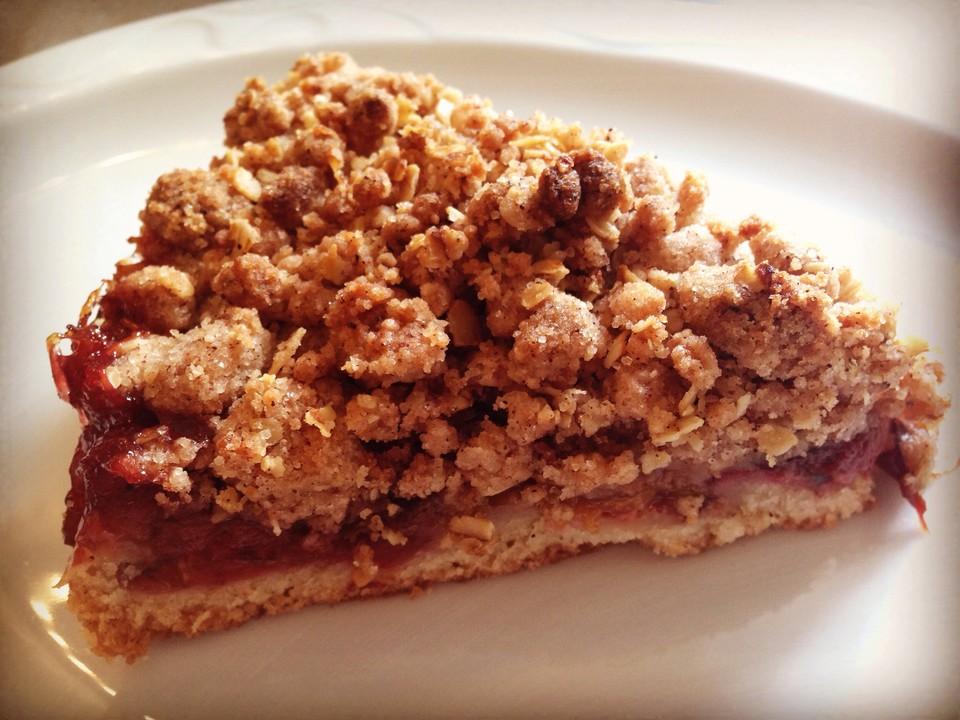 Veganer Zwetschgenkuchen Mit Zimtstreuseln Von Livingbackwards