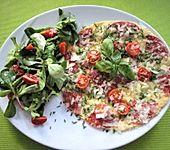 Omelett mit Tomaten und Salami (Bild)