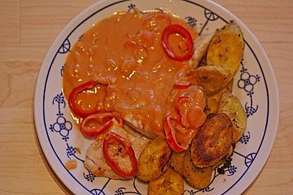 Seelachsfilet mit Kochbananen und Erdnusssoße