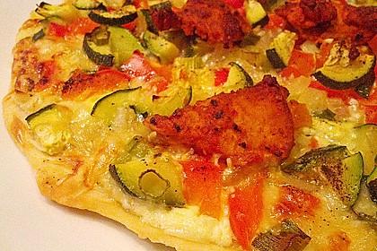 Flammkuchen mit Gemüse und Putenbrustfilet 7