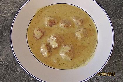 Lauch-Kartoffelsuppe mit Klößchen aus Hackfleisch, Krabben und Lachs