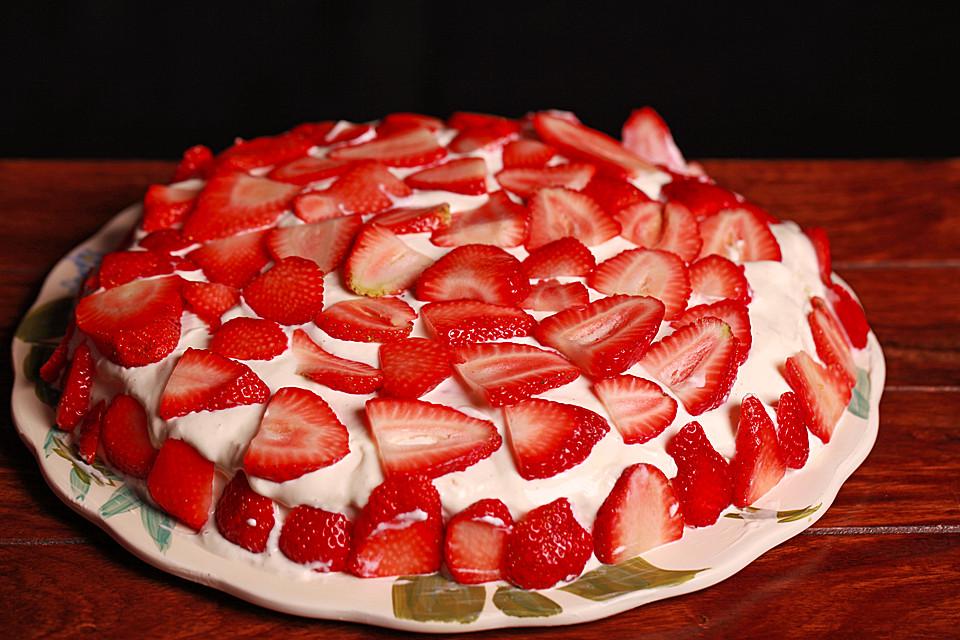 Sehr Leichte Erdbeer Quark Torte Von Cordulamundry Chefkoch De