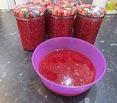 Rhabarber-Himbeer-Marmelade mit Eierlikör (Bild)
