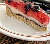 Sommerliche Obsttorte mit Pudding (Bild)