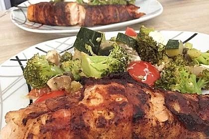 Lachs von Bacon umrollt, mit pikanter Gemüsepfanne und Feta-Käse 6