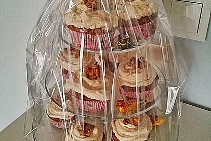 Walnuss-Zucchini-Zimt Cupcakes