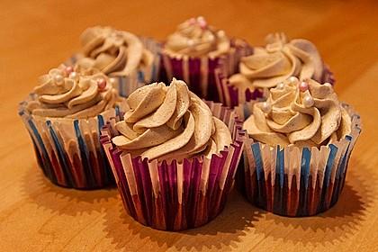 Red Velvet Cupcakes mit Zimt-Buttercreme