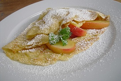 Crêpes mit karamellisierten Äpfeln