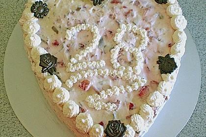 Erdbeer - Yogurette - Torte 100