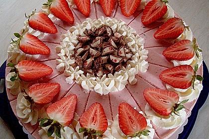Erdbeer - Yogurette - Torte 2
