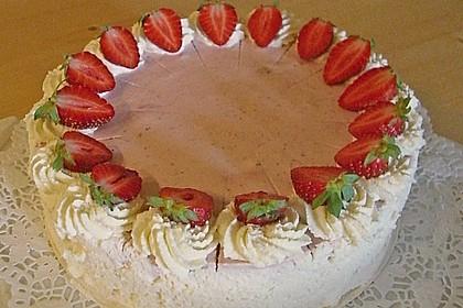 Erdbeer - Yogurette - Torte 60