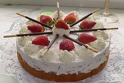 Erdbeer - Yogurette - Torte 33