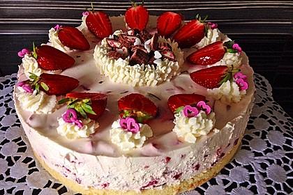 Erdbeer - Yogurette - Torte 6