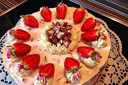 Erdbeer - Yogurette - Torte 5