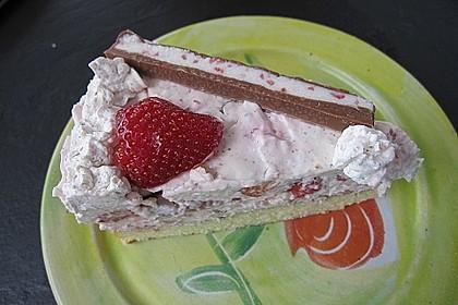 Erdbeer - Yogurette - Torte 82