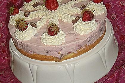 Erdbeer - Yogurette - Torte 80