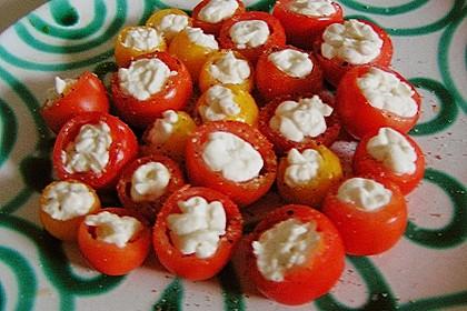 Gefüllte Tomaten mit Frischkäse 9
