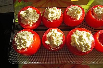Gefüllte Tomaten mit Frischkäse 3