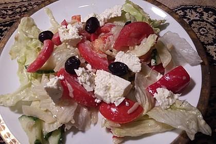 Griechischer Bauernsalat mit Feta 6