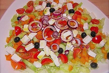 Griechischer Bauernsalat mit Feta 9