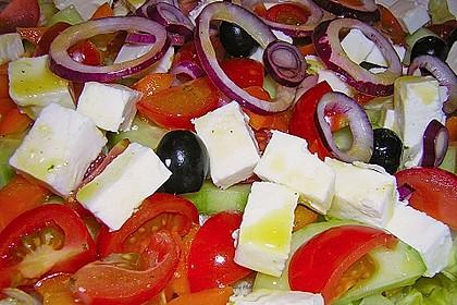 Griechischer Bauernsalat mit Feta 4