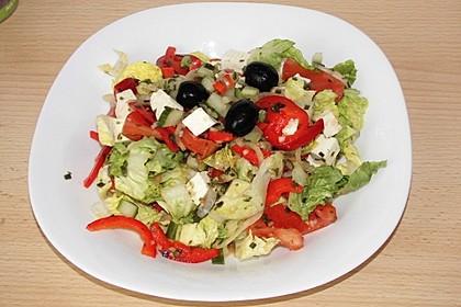 Griechischer Bauernsalat mit Feta 14