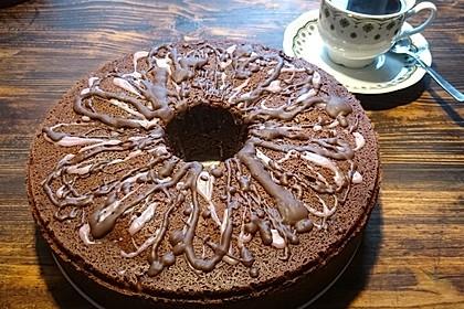 Schokoladen - Kirsch - Guglhupf 3