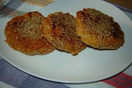 Süßkartoffel-Käse Bratlinge im Sesammantel