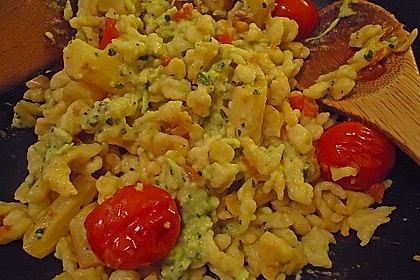 Avocado-Spätzle mit Schwarzwurzel 1