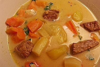 Gemüse-Fleisch-Topf: Rindergulasch mit Pastinaken, Süßkartoffeln und Möhren 2