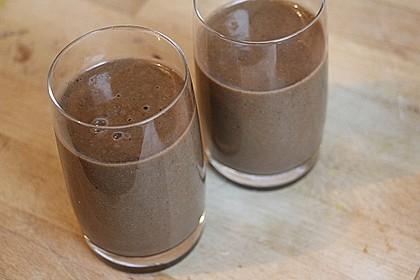 Lieblings-Frühstücks-Smoothie mit Salat, Zwetschge, Banane und Kakao 3