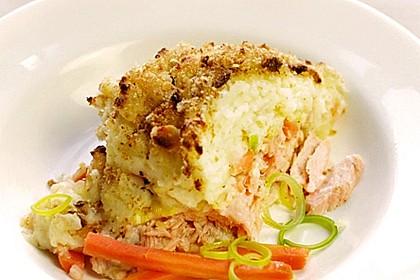 Lachsauflauf mit Kartoffelpüree (Bild)