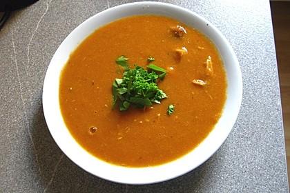 Vegane Suppe von roten Linsen (Bild)
