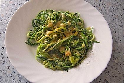 """Zucchini-Nudeln """"aglio e olio"""" 17"""