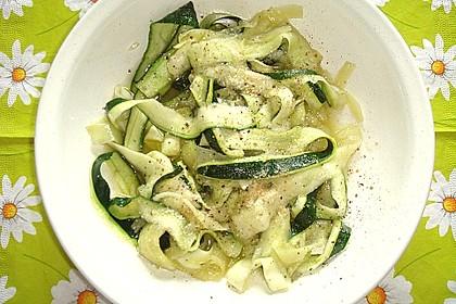 """Zucchini-Nudeln """"aglio e olio"""" 39"""