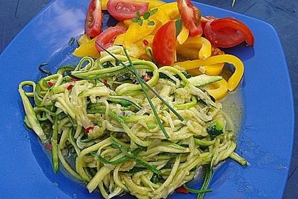 """Zucchini-Nudeln """"aglio e olio"""" 7"""