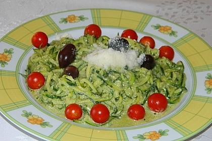 """Zucchini-Nudeln """"aglio e olio"""" 28"""