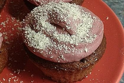 Cupcakes mit Beerenfrosting und Frischkäsekern 41