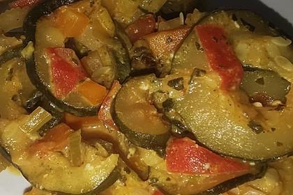 Tomaten-Zucchini-Pfanne mit Feta (Bild)