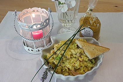 Bunter Curry-Reis-Salat