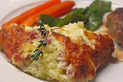 Kartoffeltorte mit Speck-Käse-Haube