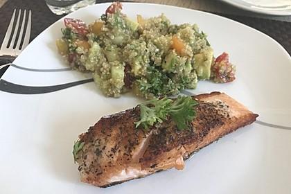 Quinoa Powersalat mit Tomaten und Avocado 51