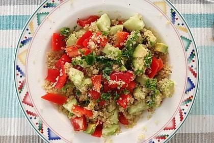 Quinoa Powersalat mit Tomaten und Avocado 31