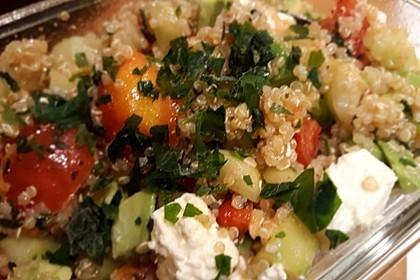 Quinoa Powersalat mit Tomaten und Avocado 34