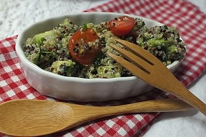 Quinoa Powersalat mit Tomaten und Avocado 6
