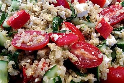 Quinoa Powersalat mit Tomaten und Avocado 33