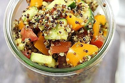 Quinoa Powersalat mit Tomaten und Avocado 2