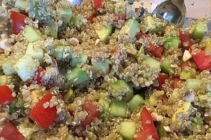 Quinoa Powersalat mit Tomaten und Avocado 48