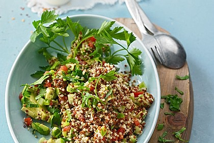 Quinoa Powersalat mit Tomaten und Avocado 1